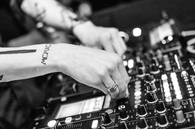 dj_electronic_music